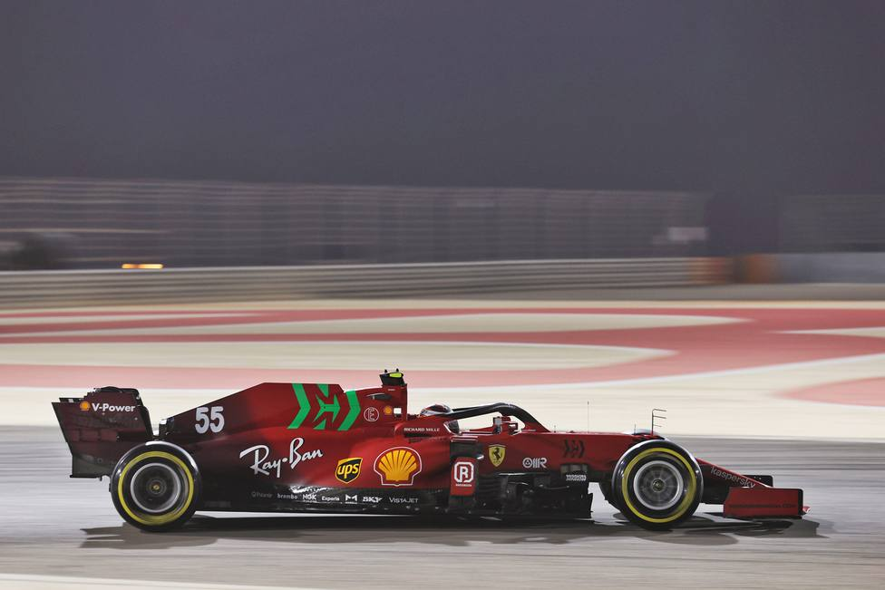 Formula One Testing - Day One - Bahrain International Circuit