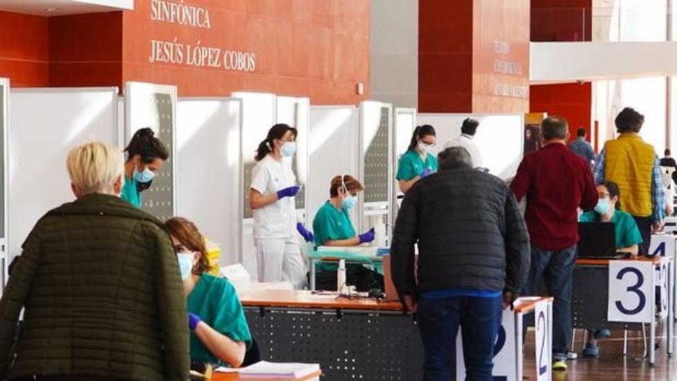 Llamamiento a vacunarse a los nacidos en el 61