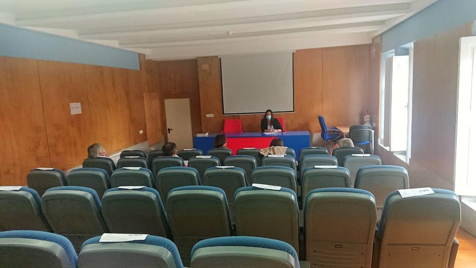 La concejal de Bienestar Social, Eva Martínez Montero, presidió la constitución de la mesa. FOTO: Ferrol