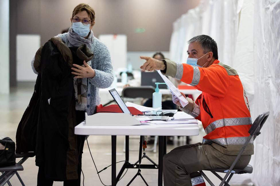Centro de vacunación en París