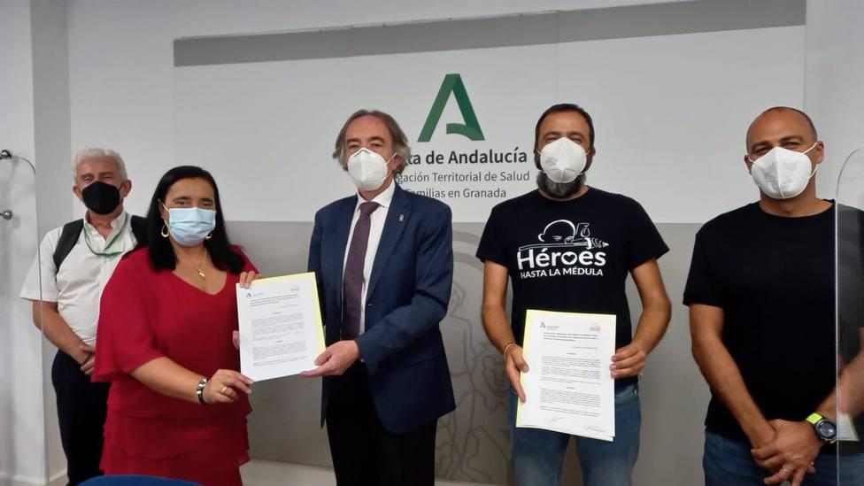 Granada.- El hospital Virgen de las Nieves estrecha su vínculo con la asociación Héroes hasta la Médula