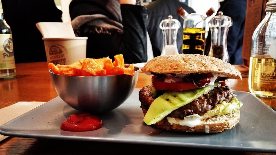 ¿Cuánta grasa podemos consumir a diario?