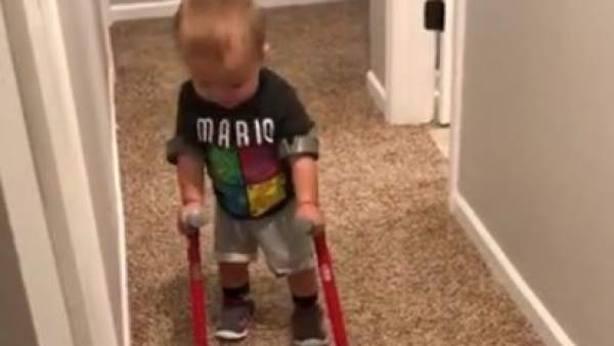 Roman Dinkel, el niño de 2 años cuya historia de superación conmueve al mundoVer más en: https://www.20minutos