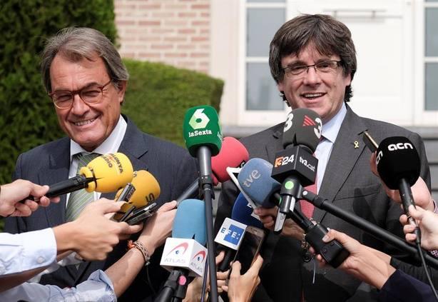 Puigdemont abre un crowdfunding para recaudar 545.000 euros para sus gastos