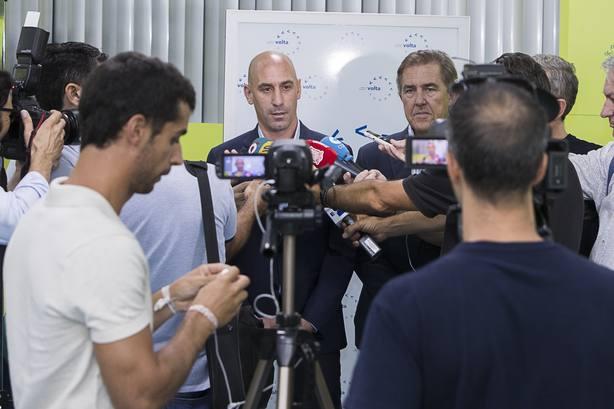 Luis Rubiales visita Murcia y asegura que la selección volverá a la Región