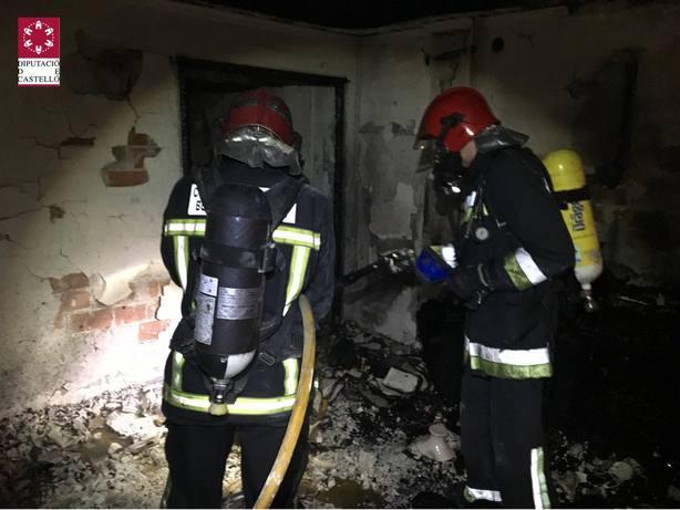 Bomberos de la ciudad extinguieron el fuego. Foto de archivo.