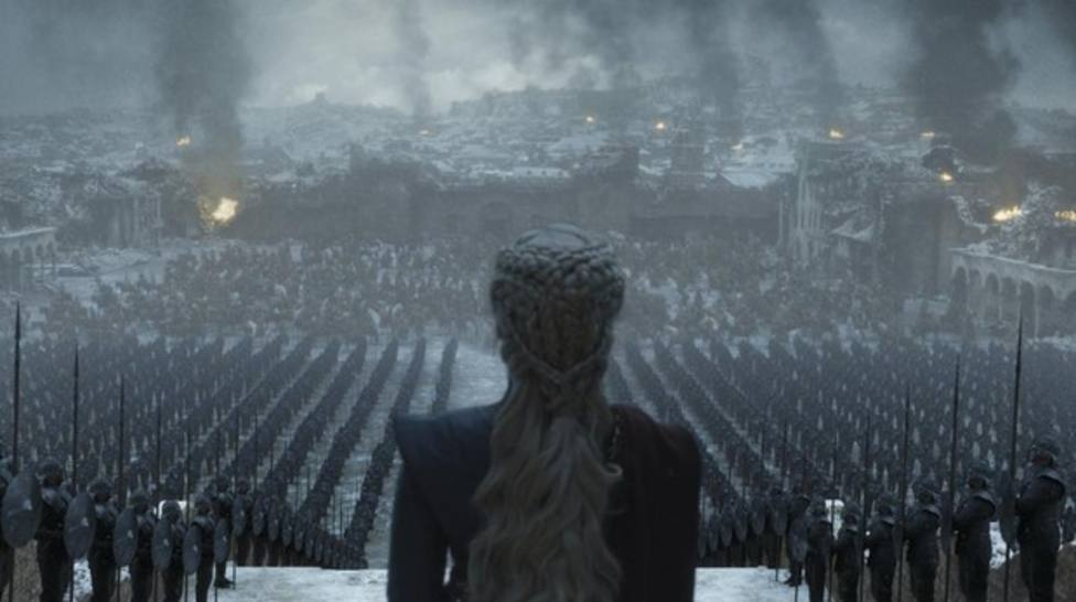 Netflix pesca en HBO y ficha a dos figuras de Juego de Tronos por 200 millones