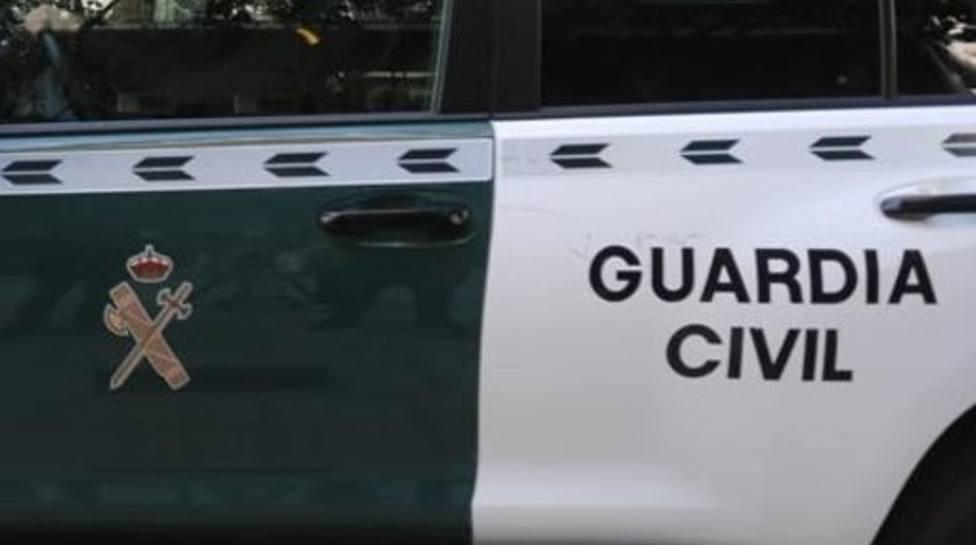 Vehículo oficial de la Guardia Civil