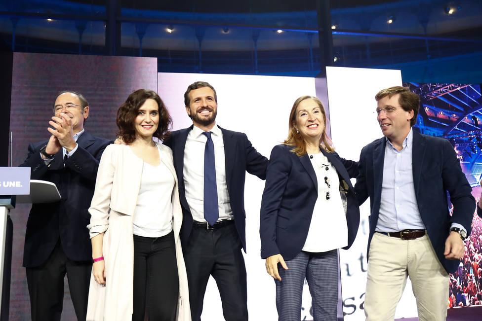 Casado pide apoyo a votantes de Cs y Vox y un voto prestado a socialistas a los que duele España