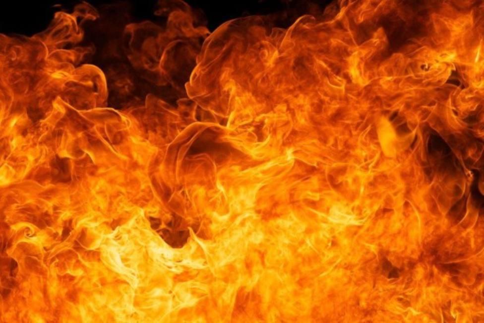 Foto de archivo de un incendio en una construcción