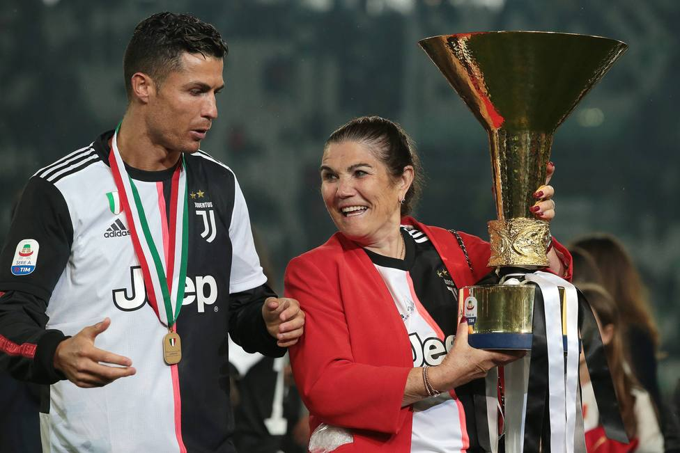 Cristiano Ronaldo indigna a muchos seguidores tras el ostentoso regalo a su madre