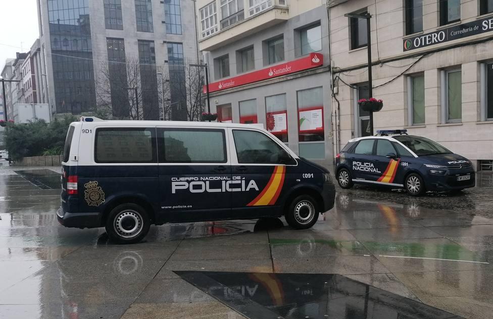 Foto de archivo de vehículos de la Policía Nacional en Ferrol