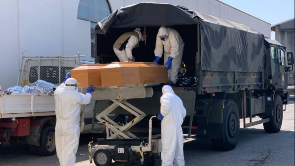 El testimonio del militar que transportaba a las víctimas mortales del COVID-19 que deja la piel de gallina