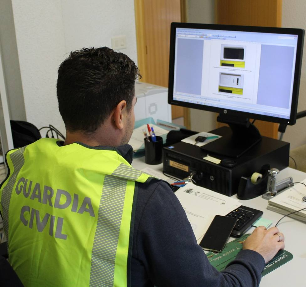 Detenido en Sarria por estafar 300.000 euros a 154 personas de toda Galicia con falsas ofertas de viajes