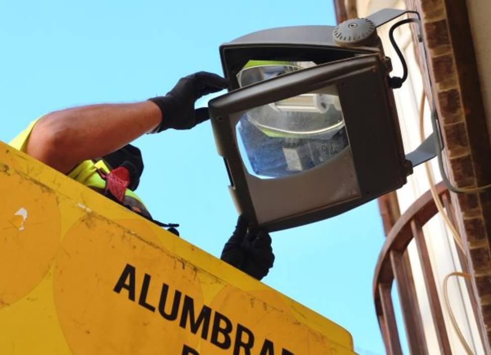 Más de 150 nuevos puntos de luz harán las calles de Vistalegre más seguras para el tráfico y los viandantes