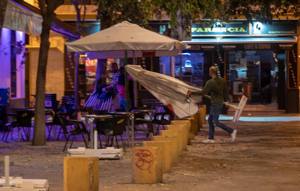 Cierre de bares en Sevilla a las 10 de la noche