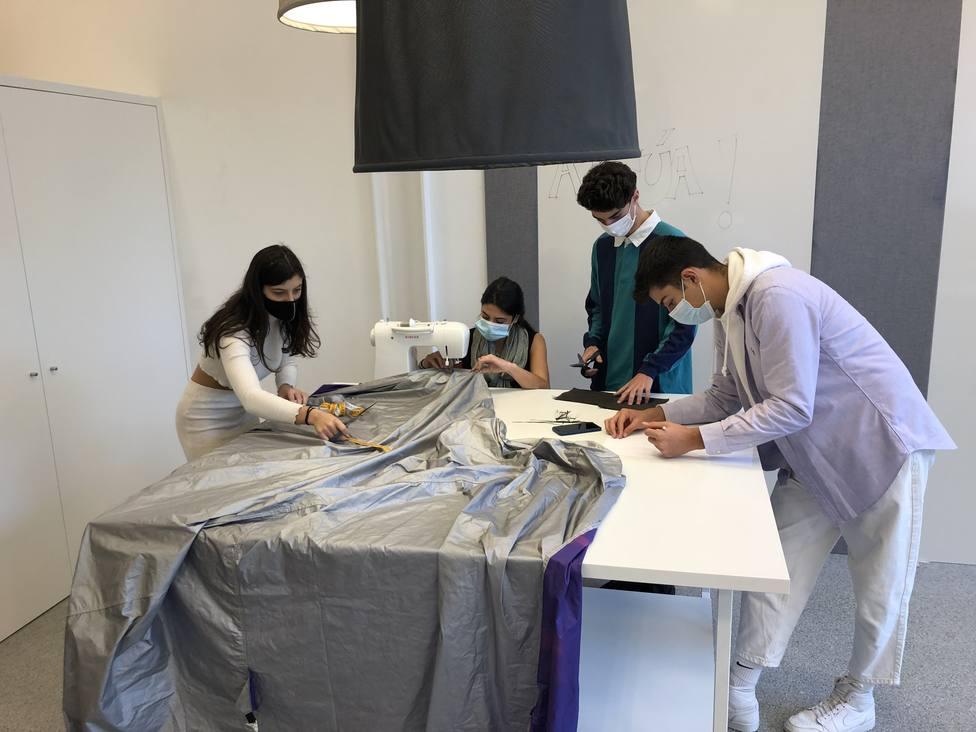 Alumnos del Grado de Gestión Industrial de la Moda. FOTO: UDC
