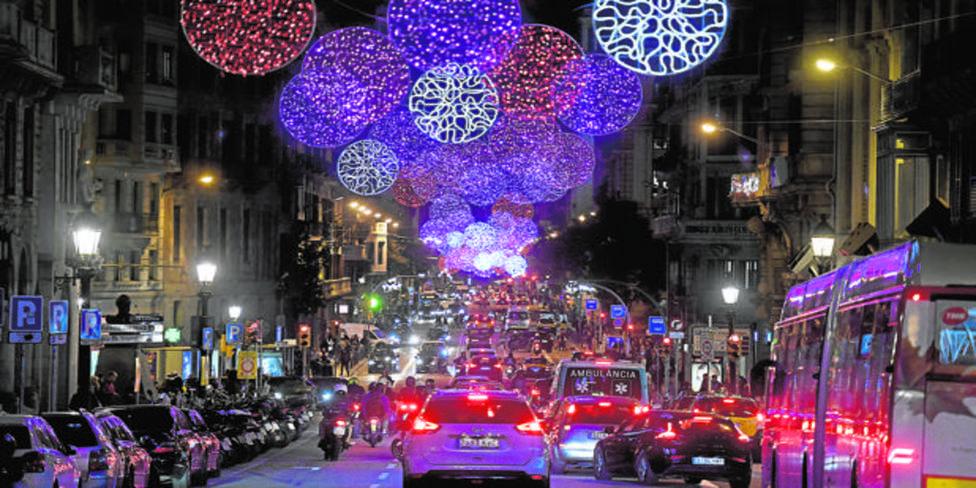 Vía Layetana con iluminación navideña en 2019