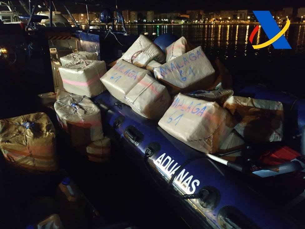 Incautados 3.750 kilos de hachís en dos operaciones contra el narcotráfico en el Estrecho