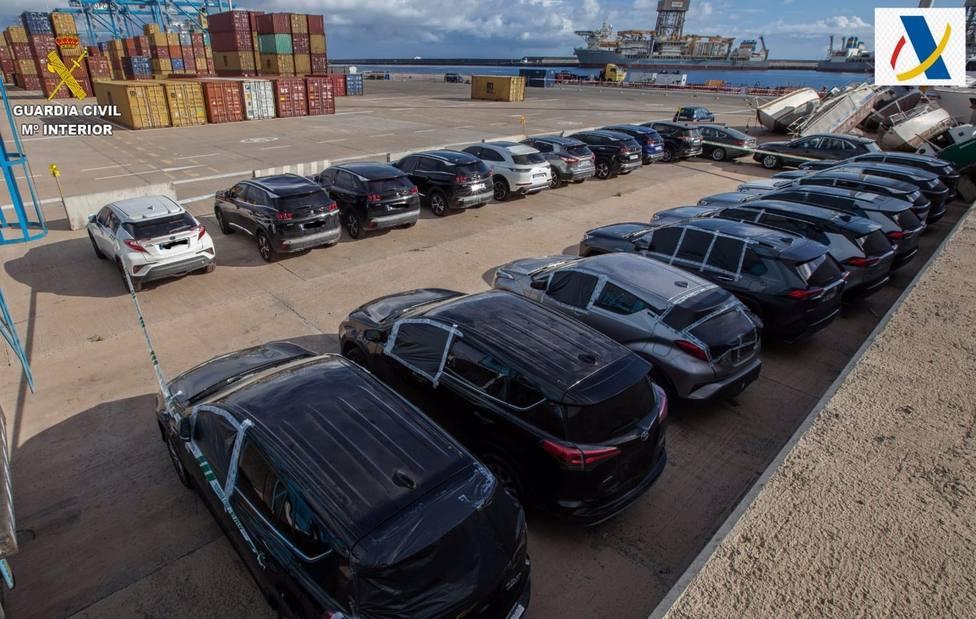 Sucesos.- La Guardia Civil recupera en el Puerto de la Luz (Gran Canaria) ocho vehículos robados en Francia