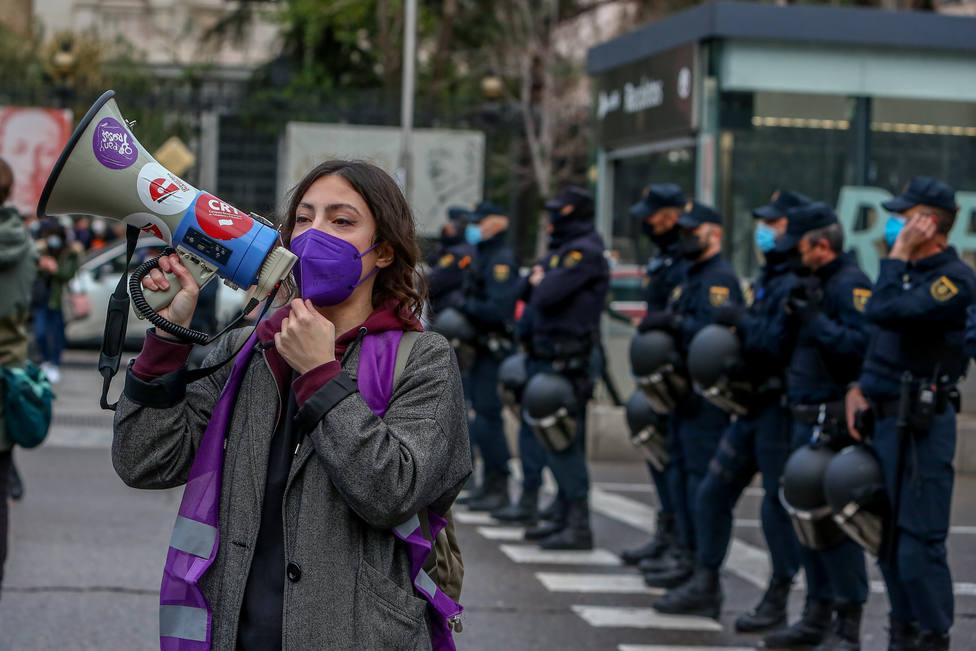 Movilizaciones espontáneas sortean la prohibición del 8M en Madrid