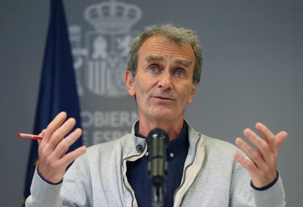 Simón cree que se aprobará la vacuna de AstraZeneca para mayores de 65 años en breve