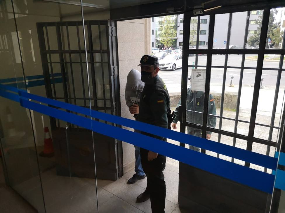 El agresor fue conducido por la Guardia Civil a la Audiencia Provincial