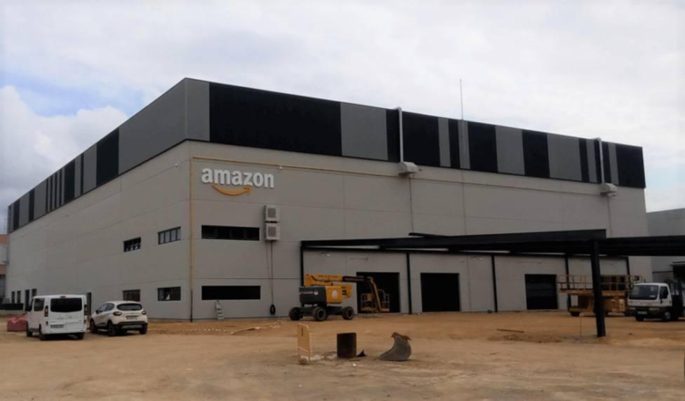 Nave de Amazon en Siero