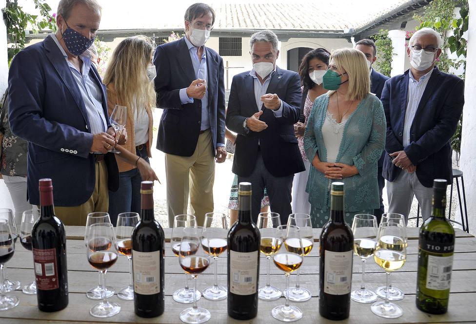 La Junta apoya al sector del vino de Jerez, cuyas exportaciones crecen un 25%