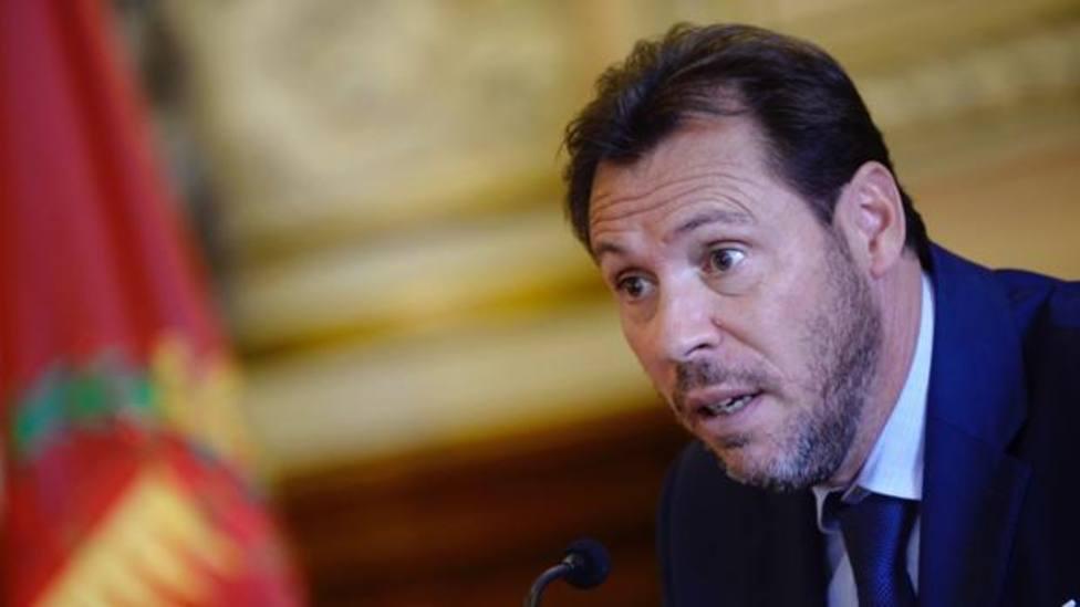 Óscar Puente se querella contra el tuitero Alvise