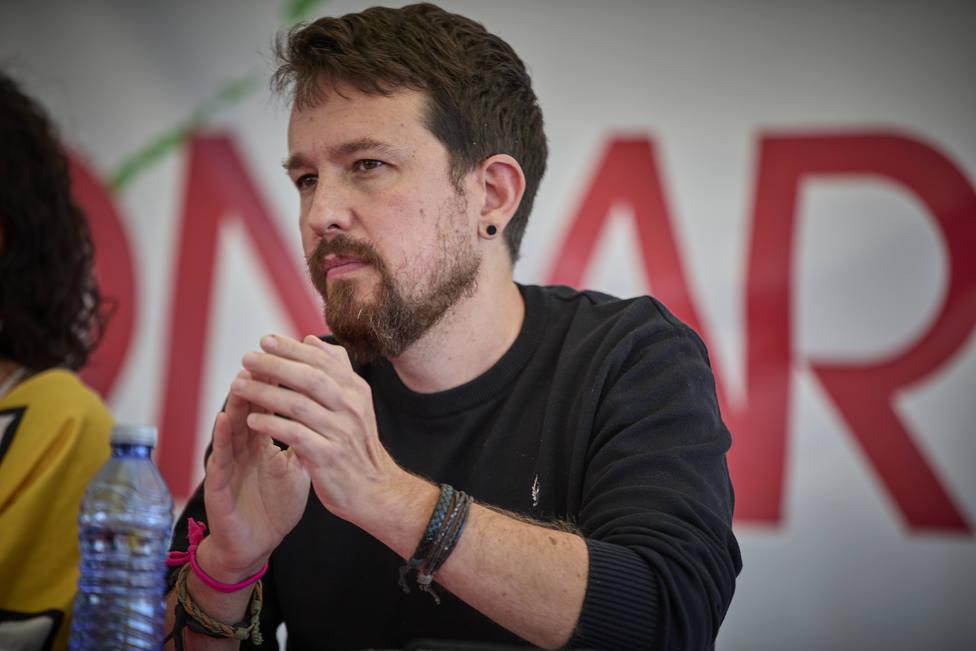 Iglesias reaparece y avisa al PSOE que deberá pactar con Podemos y Bildu para seguir en Moncloa