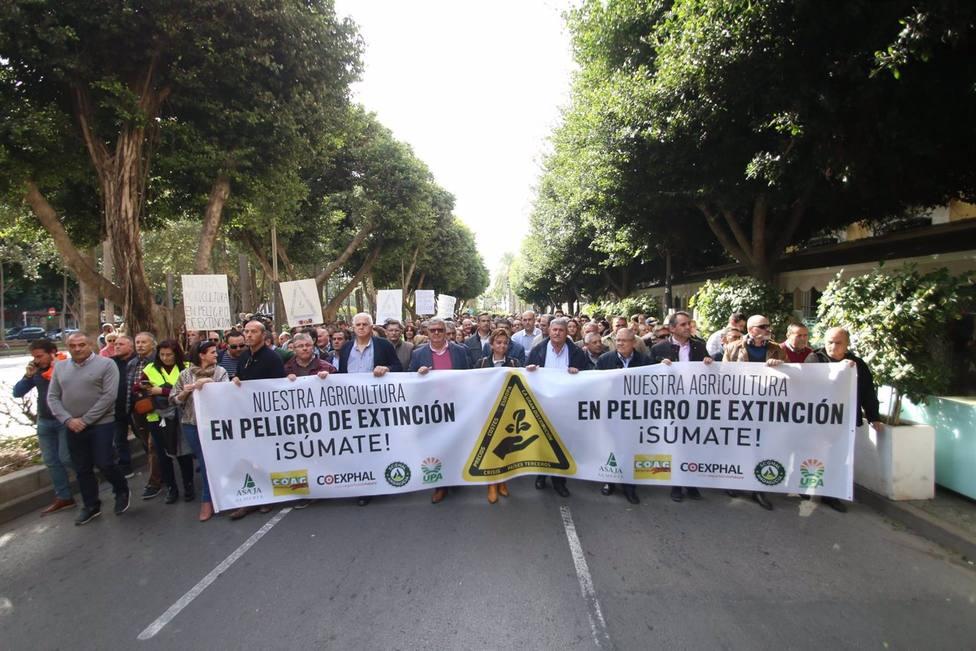 Paro agrario en Almería por la crisis del sector: El modelo productivo, en peligro de extinción