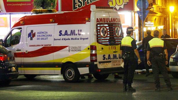 Una ambulancia pierde a un herido de camino al hospital y los conductores dan positivo en drogas