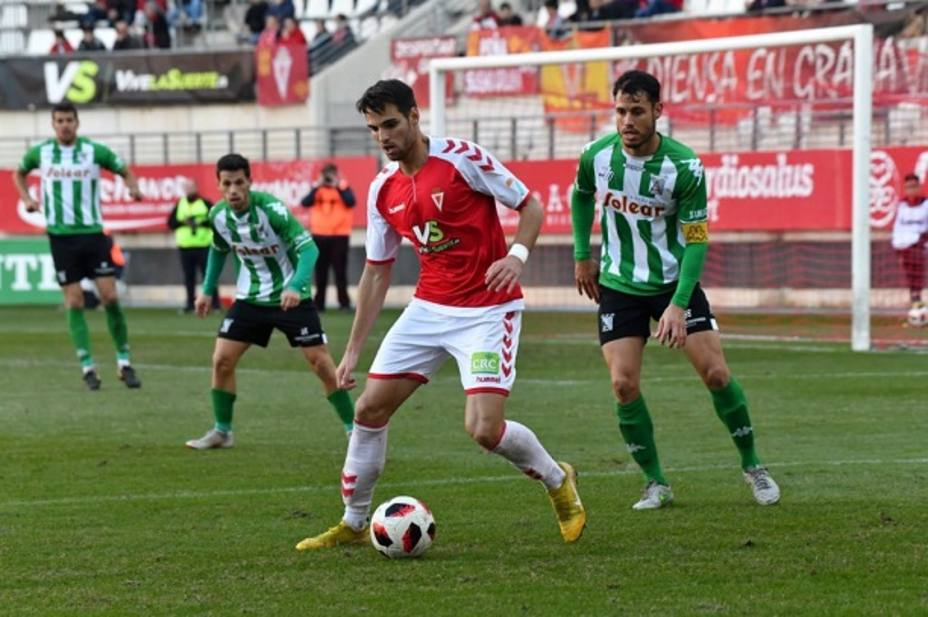 Manel tuvo varias ocasiones de gol