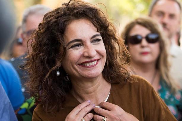María Jesús Montero, la fan de Sting a la que no le salen las cuentas