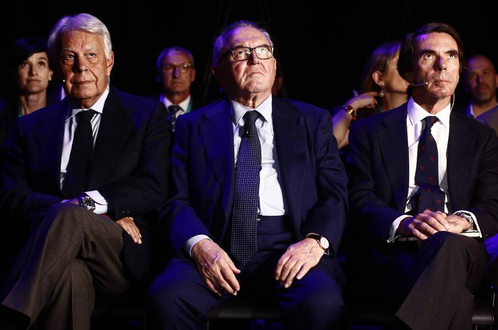 Aznar y González alertan de la falta de centralidad y consenso en la España de hoy y llaman a superar el bloqueo polít