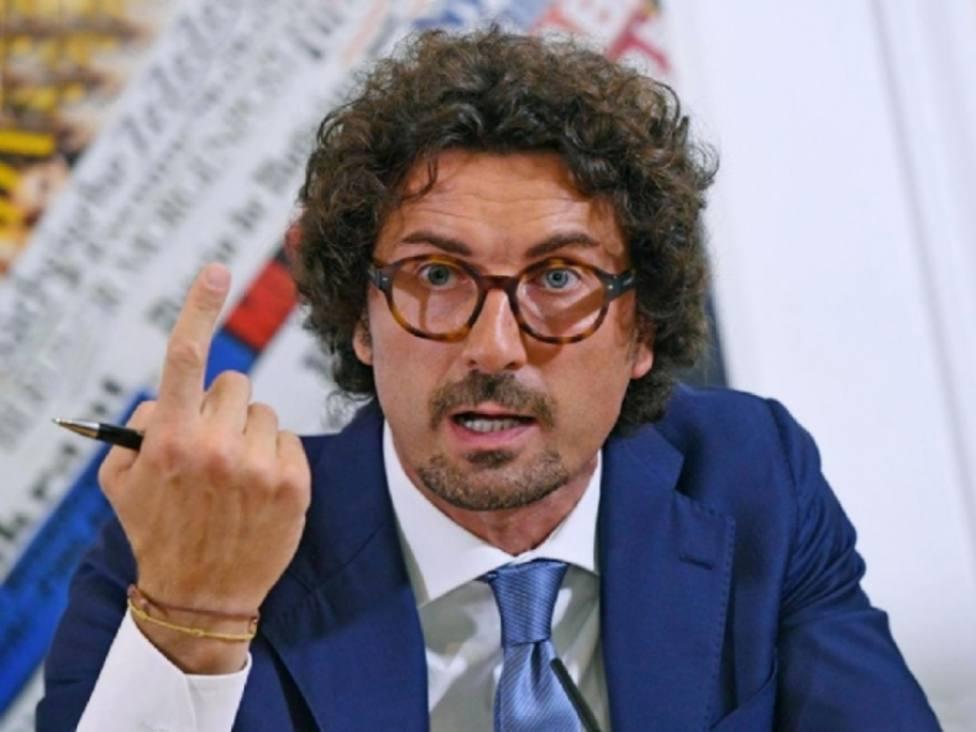 El ministro de Transporte de Italia ofrece escoltar al Open Arms a un puerto español