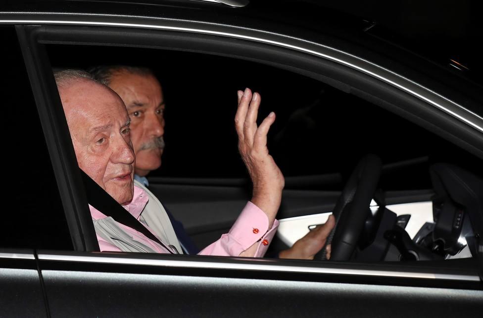 El Rey Juan Carlos, operado con éxito tras serle implantados tres bypass