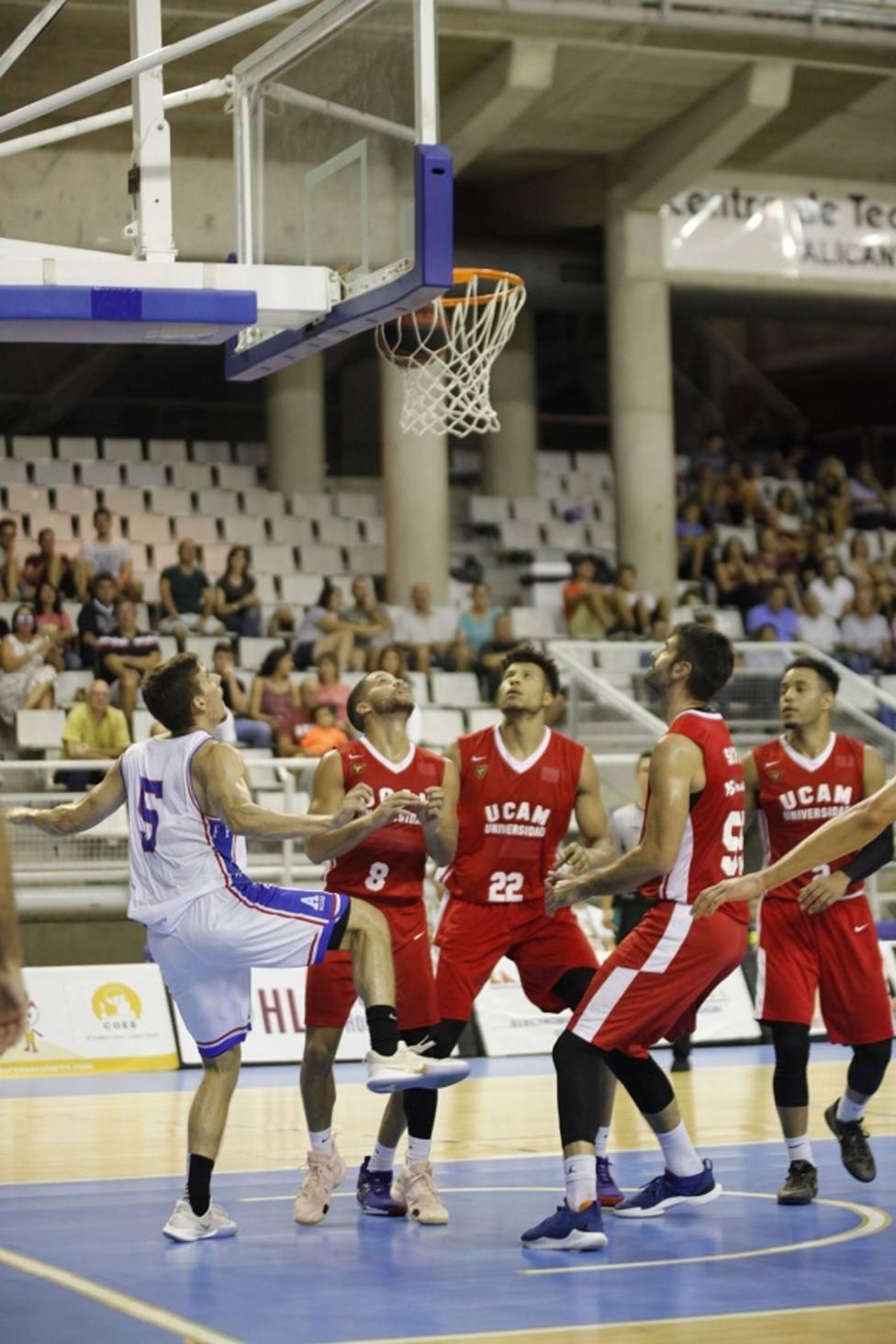 UCAM Murcia CB sigue su preparación con victoria en Alicante