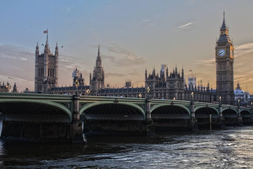 Los estudiantes extranjeros podrán permanecer en Reino Unido dos años después de graduarse