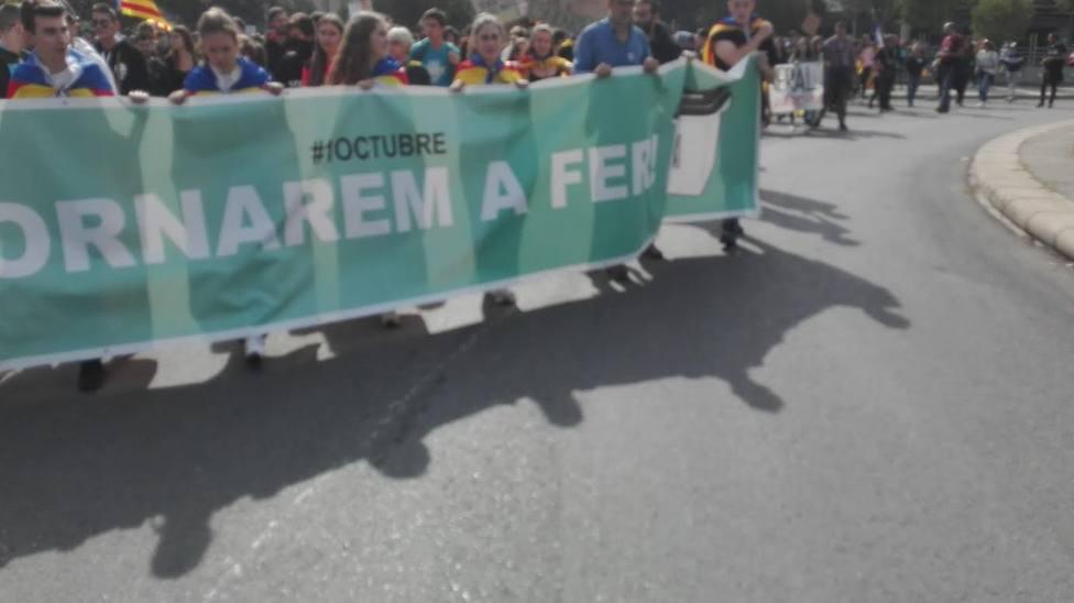 Unos 5.700 estudiantes de Lleida se manifiestan por la huelga general independentista
