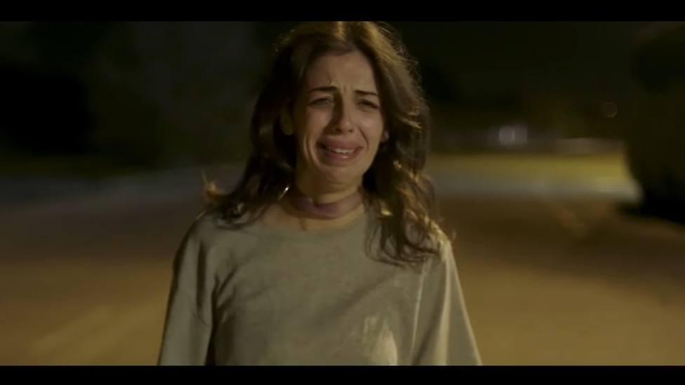 La actriz Pilar Calvo se mete en la piel de una perrita abandonada y maltratada