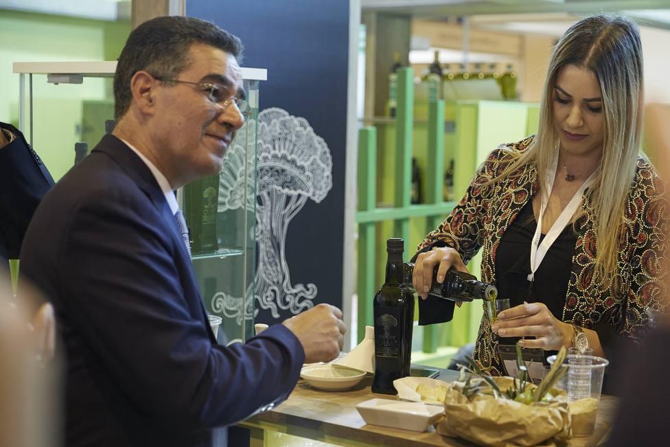 La producción de aceite de oliva en España para la campaña 2019-2020 se reducirá un 31,3%, según el COI