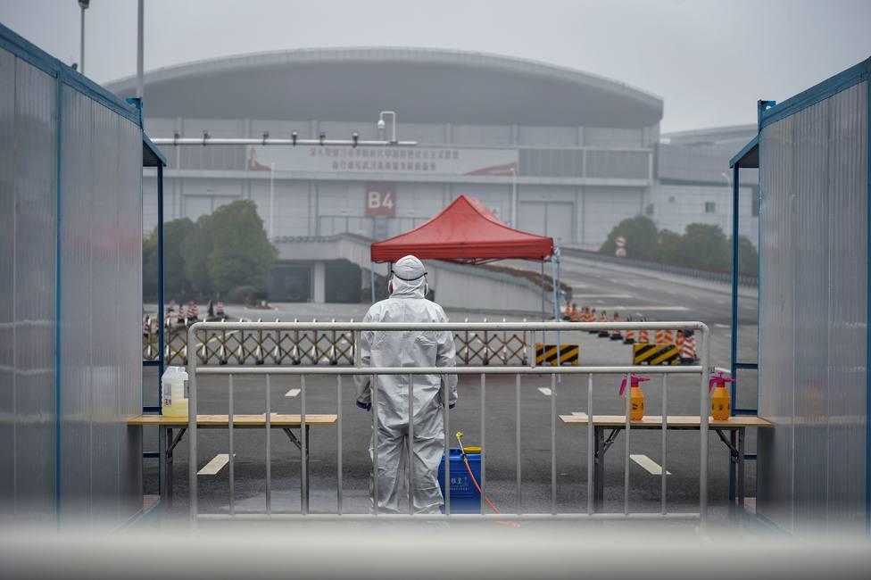 Alarma por el coronavirus: Italia suma la tercera muerte y España investiga un posible caso, y otras noticias