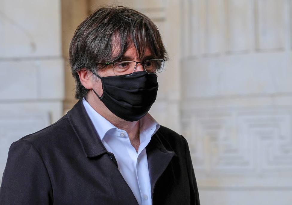 Piden tres años de cárcel para los mossos que acompañaban a Puigdemont cuando fue detenido en Alemania
