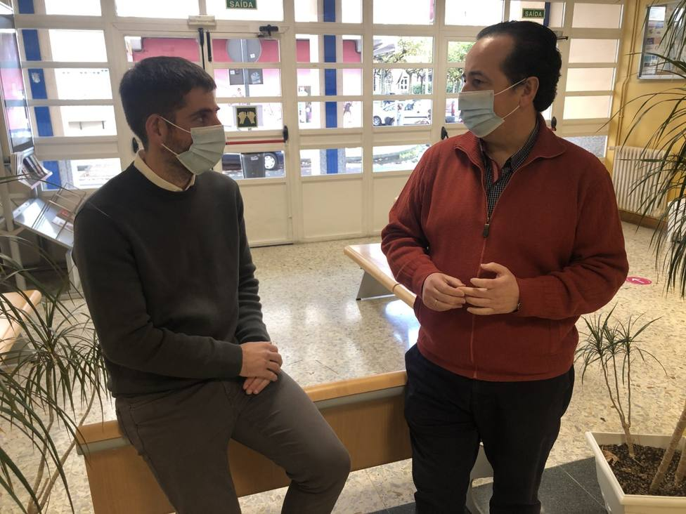 Daniel Lorenzo Mirón, coordinador de la cátedra; y Moisés Alberto García Núñez, director. FOTO: UDC