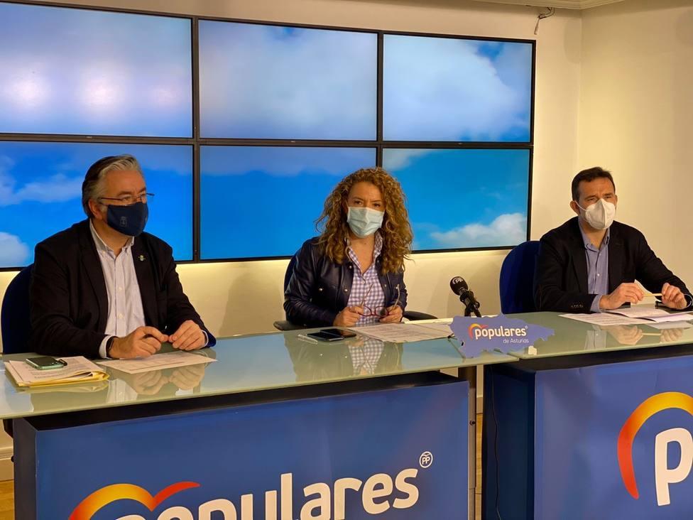 Pablo González, Teresa Mallada y Javier Cuesta