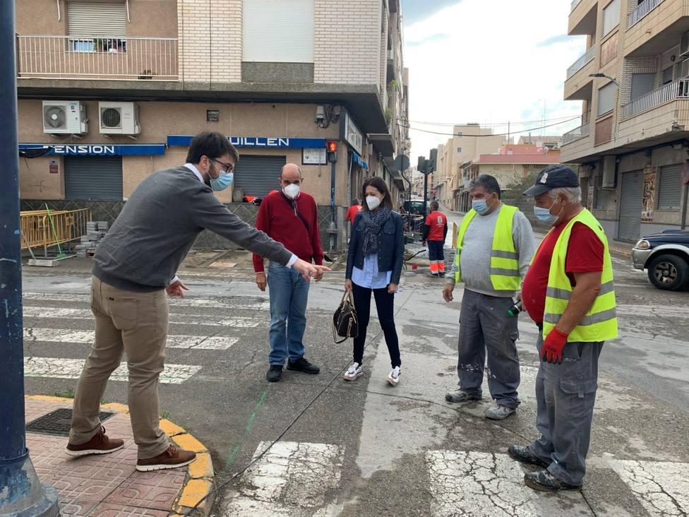 Águilas mejora la accesibilidad y realiza reparaciones en varias calles del municipio