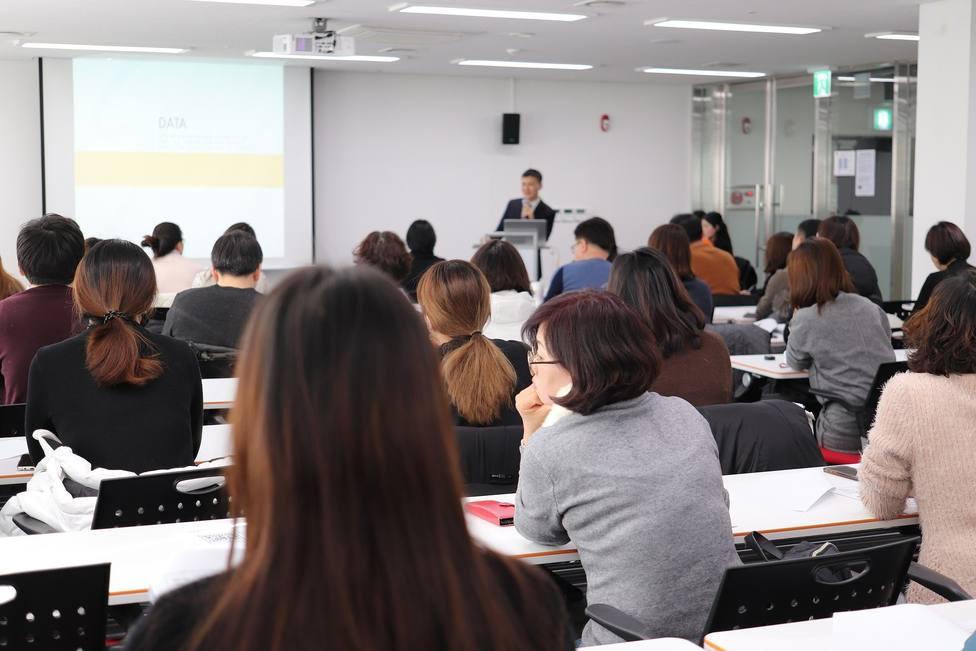 El SAE informa sobre una oferta de empleo para 133 profesores bilingües de español en Europa y China