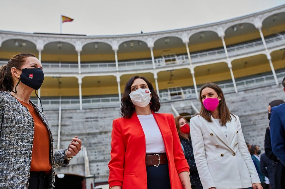 Ayuso doblega a Sanidad y permitirá que haya tenis y toros con público en Madrid